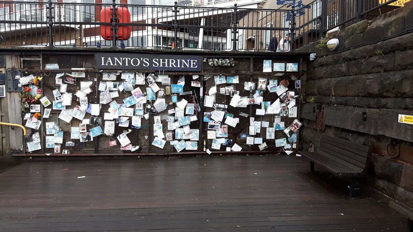 Ianto's Shrine 02.jpg